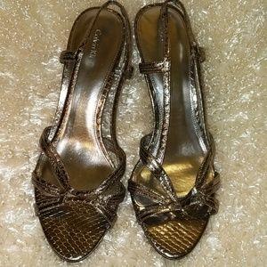 Calvin Klein strappy, feminine sandals. Size 10
